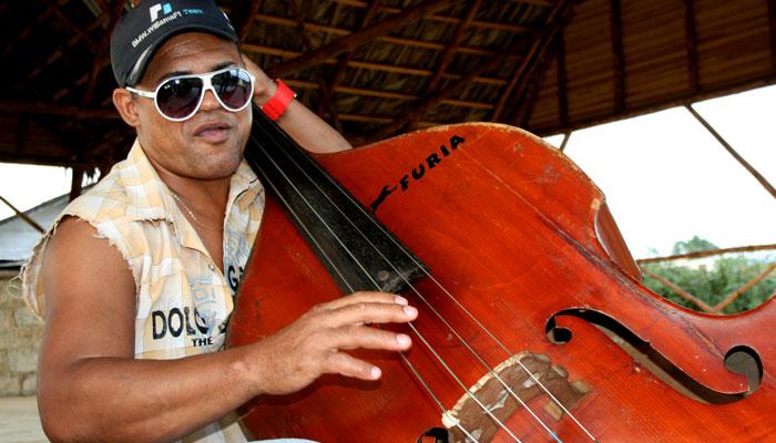 ROCKIN CUBA_Contrebasse_BOFF 2013